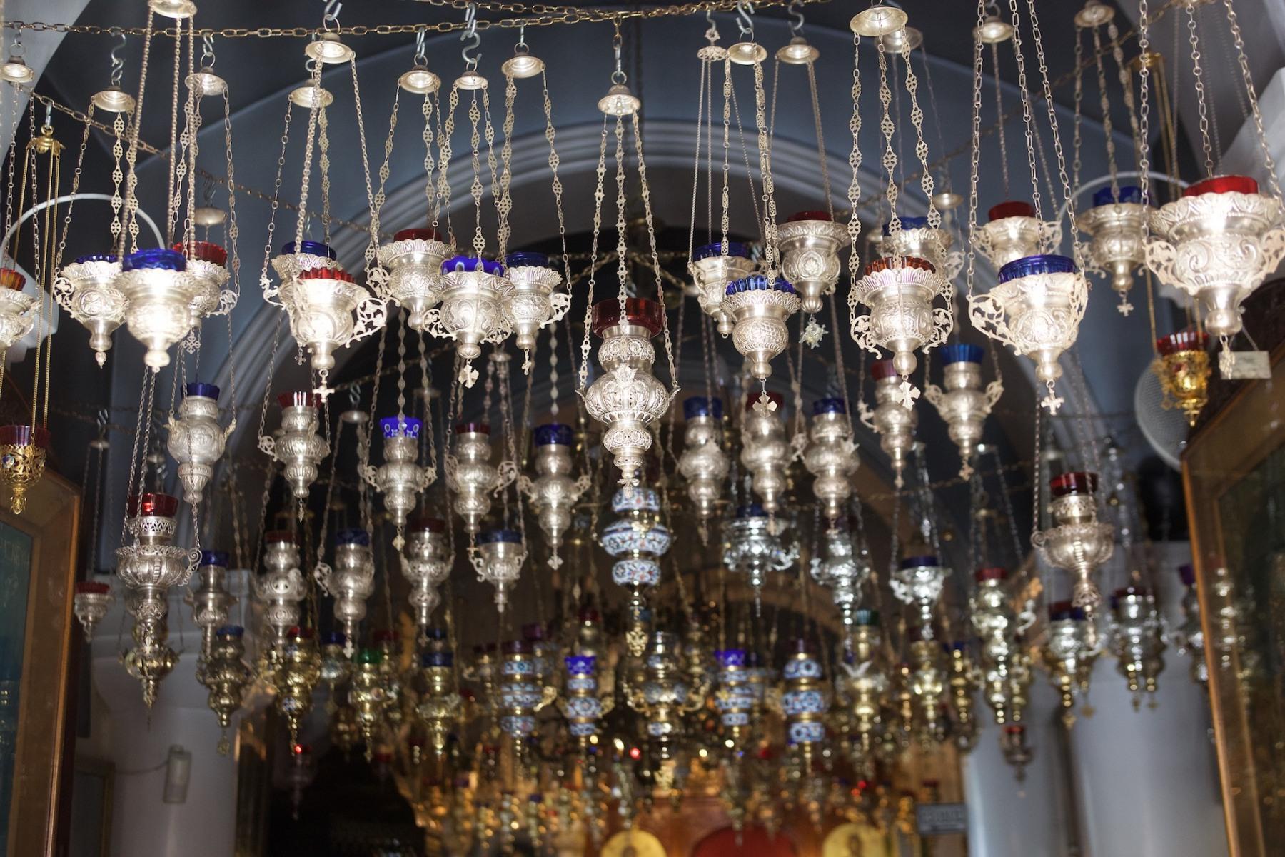 katholiko-agias-triados-kandilia