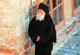 Ο 'Aγιος Παΐσιος και η συμπαράσταση του στον άρρωστο π. Αθανάσιο Σταυρονικητιανό