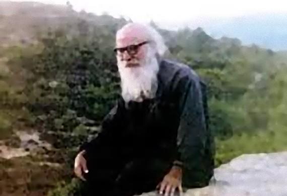 Άγιος Πορφύριος: Εγώ δεν είμαι παρά ένας απλός παπάς