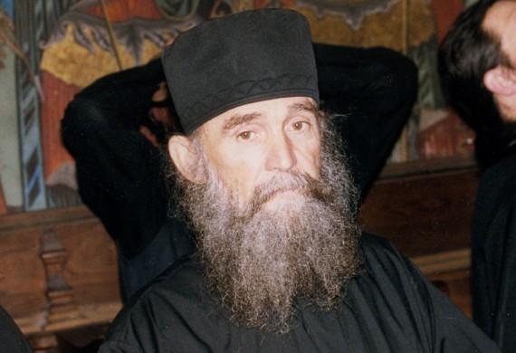 Νουθεσίες από τον γ. Εφραίμ τον Φιλοθεΐτη - Α - Κοινωνία Ορθοδοξίας
