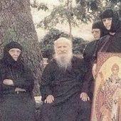 Εμπειρίες και θαύματα από τον άγιο Πορφύριο